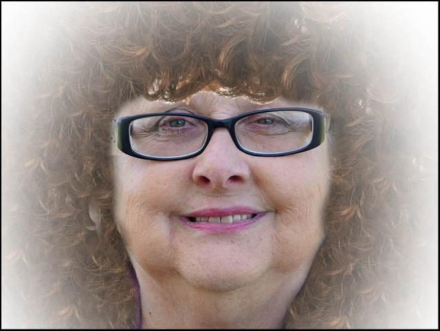 Curly Melda WB